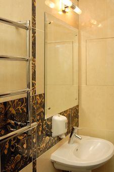 Luxury Hotel Washroom Royalty Free Stock Image