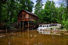 Free Landscape Photography Of Brown Wooden House On Forest Near River Royalty Free Stock Photography - 85404687