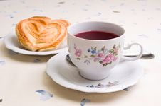 Free Cookies And A Cup Of Tea Royalty Free Stock Images - 8550339