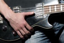 Free Vintage Bass Guitar Royalty Free Stock Images - 8553669