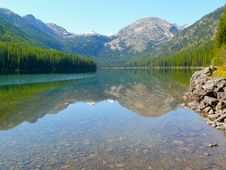 Free Mountain Lake Reflected Stock Photos - 8554993