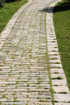Free Stone Garden Path Stock Image - 8555551