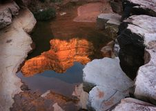 Free Red Rock Reflection Royalty Free Stock Photos - 8556098