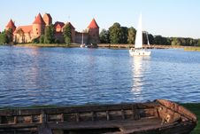 Free Castle And A Boat Stock Photography - 8560422