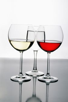 Free Three Glasses Of Wine Royalty Free Stock Photography - 8561817
