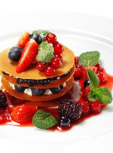 Free Berries Dessert Royalty Free Stock Image - 8572206