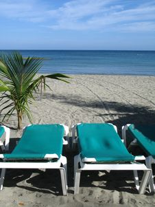 Free Chairs On The Beach Royalty Free Stock Photos - 8596038