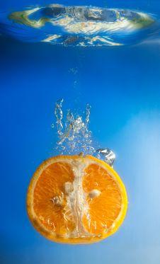 Free Orange In Water Stock Image - 8597201