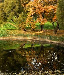 Free Autumn Park 8 Stock Photo - 8599360