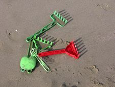 Free Beach Tools! Royalty Free Stock Images - 860959