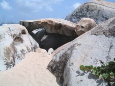 Free Boulders At Virgin Gorda Royalty Free Stock Image - 861646
