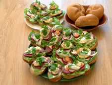 Free Tasty Sandwiches In Kitchen Royalty Free Stock Images - 863309