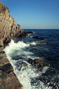 Free Sea-foam And Rocks Royalty Free Stock Photo - 8600395