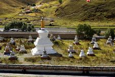 Free Day View Of Stupa At Tagong Sichuan Province China Royalty Free Stock Photo - 8601425