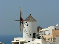 Free Windmil In Greece Royalty Free Stock Photography - 8606677