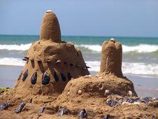 Free Castle From The Sand And Shells Stock Photography - 8607282