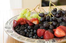 Free Fresh Fruit Platter Stock Photography - 8608882