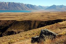 Free Rock And Ravine At Lake Tekapo Royalty Free Stock Image - 8609456