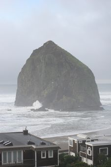 Free Cannon Beach Scenery 2005 - 1.JPG Royalty Free Stock Images - 86005809