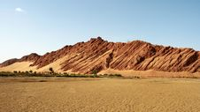 Free Mountain In Desert Royalty Free Stock Photos - 8610798