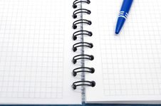 Free Open Notebook With Empty Sheets Stock Images - 8613324