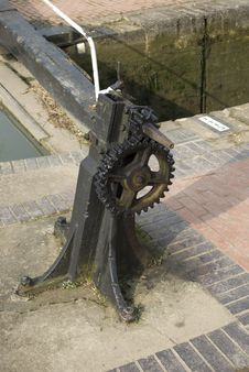 Free Cog Wheel Gears On Canal Royalty Free Stock Photo - 8613585