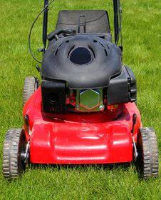 Free Lawn Mower Stock Image - 8613631