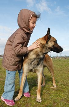 Free Little Girl And Malinois Stock Photography - 8614942