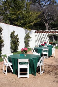 Free Outside Dining Patio Royalty Free Stock Photo - 8615915