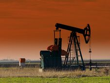 Free Oil Pump Jack,sunset Stock Photos - 8617123