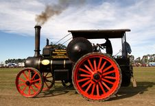 Free McLaren Traction Engine &x28;6&x29; Royalty Free Stock Photos - 86177268