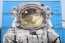 Free Astronaut Graffiti On Semi-Trailers Royalty Free Stock Image - 86183236