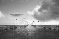 Free Seaside Pier In Black And White Stock Images - 86185184