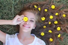 Free Teenage Girl With Flowers In Hair Stock Photography - 86186412