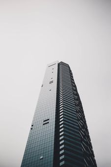 Free Tall Office Building Royalty Free Stock Photos - 86186848