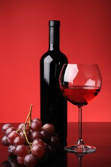 Free Grapes, Bottle And Glass Of Wine Stock Photo - 8623580