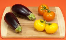 Free Fresh Eggplant And Tomatoes Stock Photography - 8623862