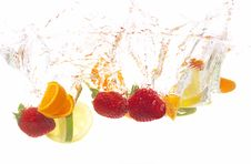 Free Splashing Fruits Stock Photography - 8627982