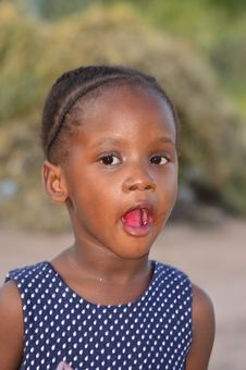 Free CLOSE-UP PORTAIT OF A YOUNG GIRL WITH MOUTH WIDE OPEN Royalty Free Stock Photography - 86214327