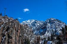 Free Snowy Mountain Peaks Royalty Free Stock Image - 86228816