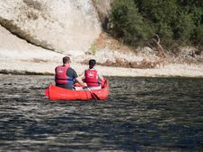 Free Canoeing On The Dordogne-france2015-em10-70-300mm-20150720-P7200089 Stock Photo - 86243780