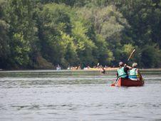 Free Canoeing On The Dordogne-france2015-em10-70-300mm-20150720-P7200282 Stock Photo - 86243940