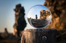 Free Sphere On Wooden Pole Royalty Free Stock Photo - 86246715