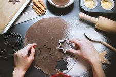 Free Making Gingerbread Stock Images - 86247234
