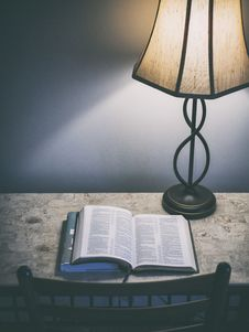 Free Open Book On Table By Vintage Lamp Royalty Free Stock Image - 86249516