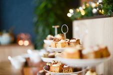 Free Plates With Pieces Of Iced Cake Cake Stock Images - 86250264
