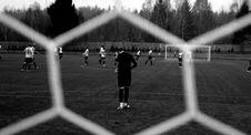 Free Soccer Game Through Mesh Net Royalty Free Stock Photos - 86257998