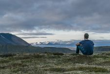 Free Young Man Looking At Distant Mountains Royalty Free Stock Photos - 86281128