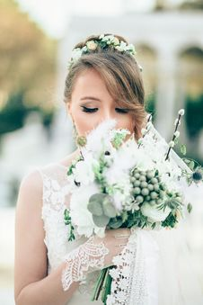 Free Portrait Of Bride With Flowers Stock Image - 86282251