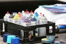 Free Spray Paint Cans Stock Images - 86299874